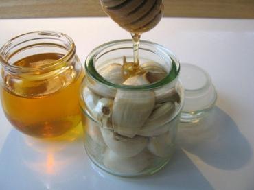 Микс от чесън и мед - еликсир за борба с грипа