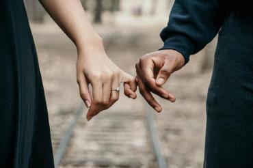 Необходим ли е бракът за да сме щастливи